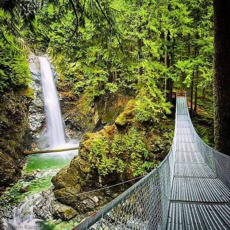 Cascade Falls Suspension Bridge Instagram Moment by @confusioncircle